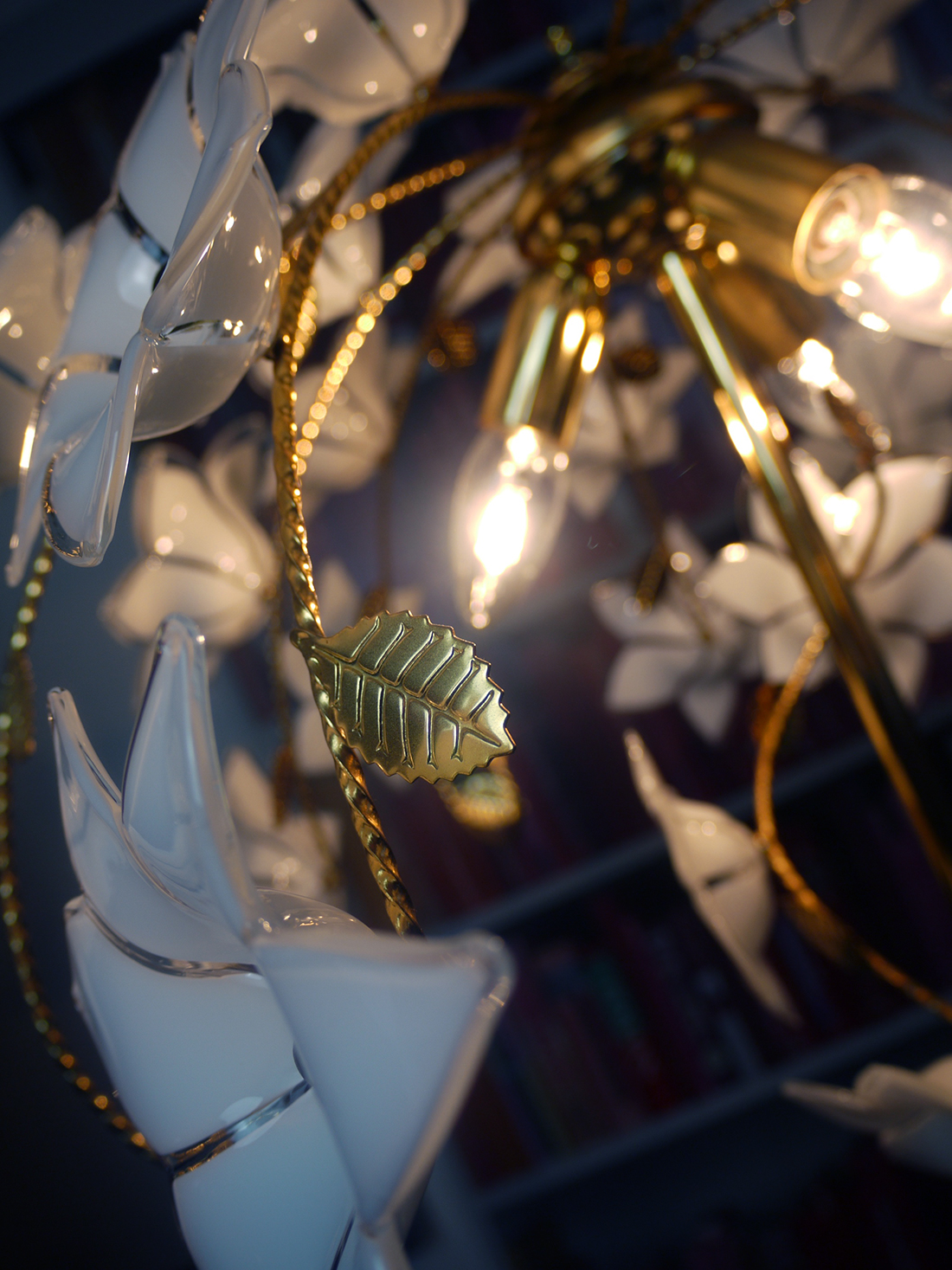 Superb Floor Lamp With Hand Blown Murano Glass Flowers